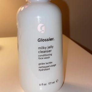 BRAND NEW glossier cleanser !!